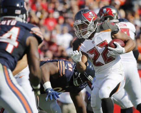Nov 13, 2016; Tampa, FL, USA; Tampa Bay Buccaneers running back Doug Martin (22) runs with the ball against the Chicago Bears during the first half at Raymond James Stadium. Mandatory Credit: Kim Klement-USA TODAY Sports