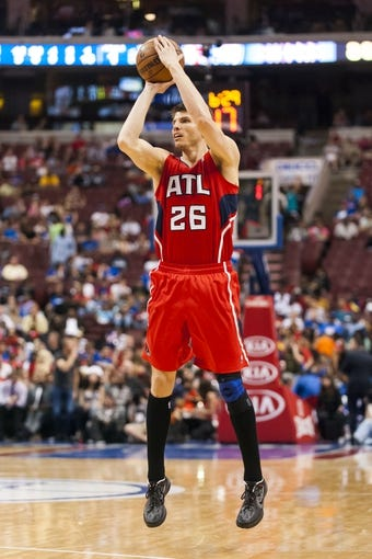 Apr 10, 2013; Philadelphia, PA, USA; Atlanta Hawks forward Kyle Korver (26) shoots a jump shot during the fourth quarter against the Philadelphia 76ers at the Wells Fargo Center. The Hawks defeated the Sixers 124-101. Mandatory Credit: Howard Smith-USA TODAY Sports