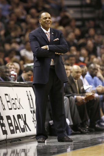 May 21, 2013; San Antonio, TX, USA; Memphis Grizzlies head coach Lionel Hollins in game two of the Western Conference finals of the 2013 NBA Playoffs against the San Antonio Spurs at AT&T Center. Mandatory Credit: Soobum Im-USA TODAY Sports
