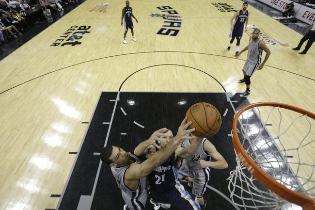 May 21, 2013; San Antonio, TX, USA; Memphis Grizzlies forward Tayshaun Prince (21) has his shot blocked by San Antonio Spurs guard Danny Green (left) in game two of the Western Conference finals of the 2013 NBA Playoffs at AT&T Center. Mandatory Credit: Ronald Martinez/Getty Images-Pool Photo via USA TODAY Sports