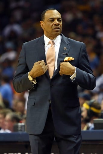 May 27, 2013; Memphis, TN, USA; Memphis Grizzlies head coach Lionel Hollins reacts in the second half of game four of the Western Conference finals of the 2013 NBA Playoffs against the San Antonio Spurs at FedEx Forum.  The Spurs won 93-86.  Mandatory Credit: Spruce Derden-USA TODAY Sports