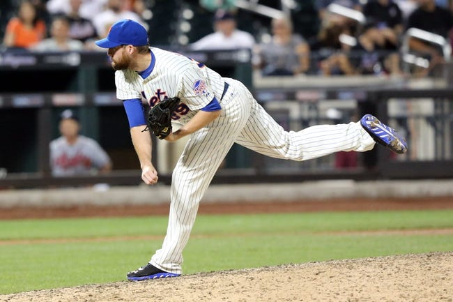 Jul 23, 2013; New York, NY, USA;  New York Mets relief pitcher Bobby Parnell (39) pitches during the ninth inning against the Atlanta Braves at Citi Field.  Mets won 4-1.  Mandatory Credit: Anthony Gruppuso-USA TODAY Sports