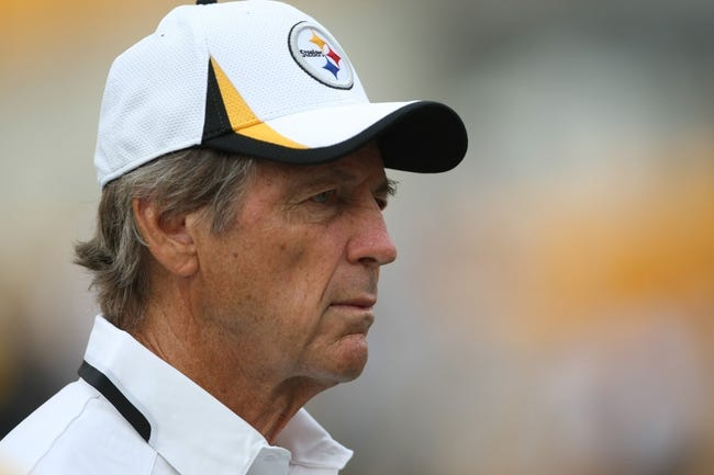 Aug 10, 2013; Pittsburgh, PA, USA; Pittsburgh Steelers defensive coordinator Dick LeBeau before the game against the New York Giantsr at Heinz Field. Mandatory Credit: Jason Bridge-USA TODAY Sports
