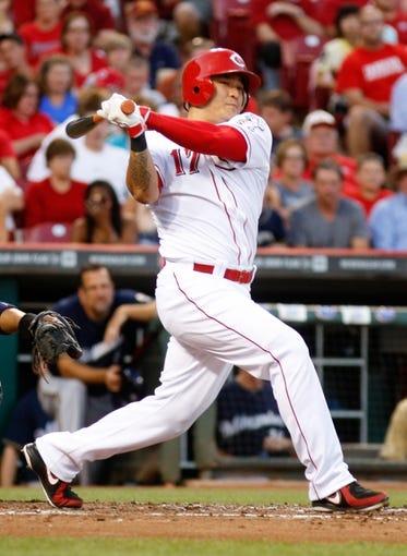 Aug 24, 2013; Cincinnati, OH, USA; Cincinnati Reds center fielder Shin-Soo Choo (17) bats during a game against the Milwaukee Brewers at Great American Ball Park. Mandatory Credit: David Kohl-USA TODAY Sports