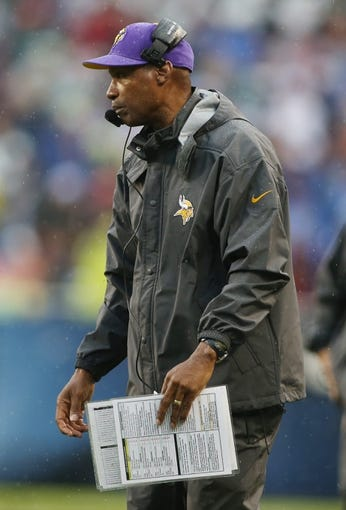 Sep 15, 2013; Chicago, IL, USA; Minnesota Vikings head coach Leslie Frazier during the fourth quarter against the Chicago Bears at Soldier Field. The Bears won 31-30. Mandatory Credit: Jerry Lai-USA TODAY Sports