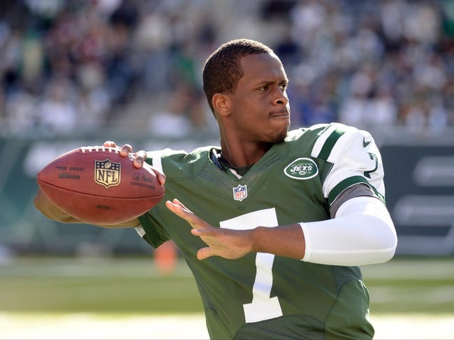Sep 22, 2013; East Rutherford, NJ, USA; New York Jets quarterback Geno Smith (7) warms up before the game against the Buffalo Bills at MetLife Stadium. Mandatory Credit: Robert Deutsch-USA TODAY Sports