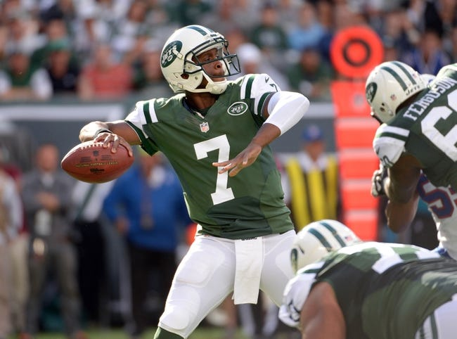 Sep 22, 2013; East Rutherford, NJ, USA; New York Jets quarterback Geno Smith (7) throws a pass against the Buffalo Bills at MetLife Stadium. Mandatory Credit: Robert Deutsch-USA TODAY Sports