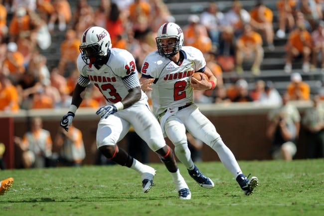 Sep 28, 2013; Knoxville, TN, USA; South Alabama Jaguars wide receiver Dejon Funderburk (3) runs to block for quarterback Ross Metheny (2) against the Tennessee Volunteers during the second half at Neyland Stadium. Tennessee won 31 to 24. Mandatory Credit: Randy Sartin-USA TODAY Sports