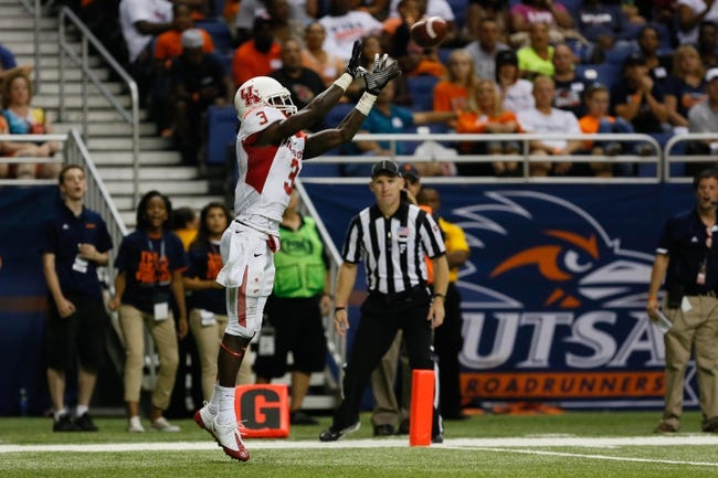 Sep 28, 2013; San Antonio, TX, USA; Houston Cougars defensive back William Jackson (3) makes a touchdown catch against the Texas-San Antonio Roadrunners during the second  half at Alamodome. Houston won 59 - 28. Mandatory Credit: Soobum Im-USA TODAY Sports