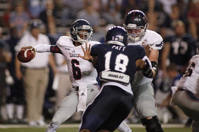 Sep 28, 2013; Houston, TX, USA; Florida Atlantic Owls quarterback Greg Hankerson (6) throws a pass against the Rice Owls during the third quarter at Rice Stadium. Mandatory Credit: Andrew Richardson-USA TODAY Sports