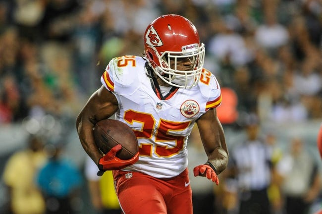 Sep 19, 2013; Philadelphia, PA, USA; Kansas City Chiefs running back Jamaal Charles (25) carries the ball during the second quarter of the game against the Philadelphia Eagles at Lincoln Financial Field. Mandatory Credit: John Geliebter-USA TODAY Sports
