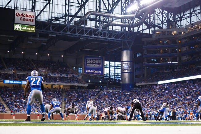 Sep 29, 2013; Detroit, MI, USA; General view as Chicago Bears quarterback Jay Cutler (6) gets set to run a play against the Detroit Lions at Ford Field. Mandatory Credit: Rick Osentoski-USA TODAY Sports