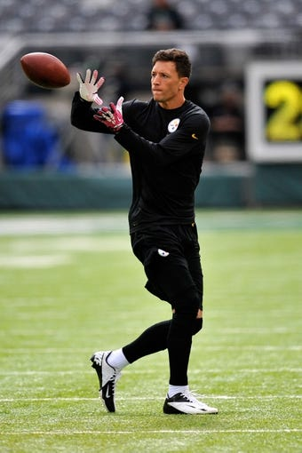 Oct 13, 2013; East Rutherford, NJ, USA; Pittsburgh Steelers wide receiver Derek Moye warms up before facing the New York Jets at MetLife Stadium. The Steelers won the game 19-6. Mandatory Credit: Joe Camporeale-USA TODAY Sports
