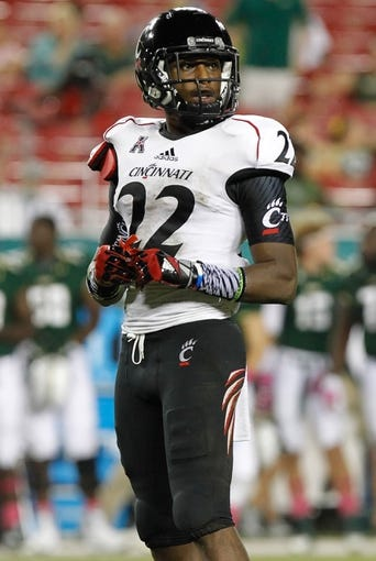 Oct 5, 2013; Tampa, FL, USA; Cincinnati Bearcats safety Zach Edwards (22) against the South Florida Bulls during the second half at Raymond James Stadium. South Florida Bulls defeated the Cincinnati Bearcats 26-20. Mandatory Credit: Kim Klement-USA TODAY Sports