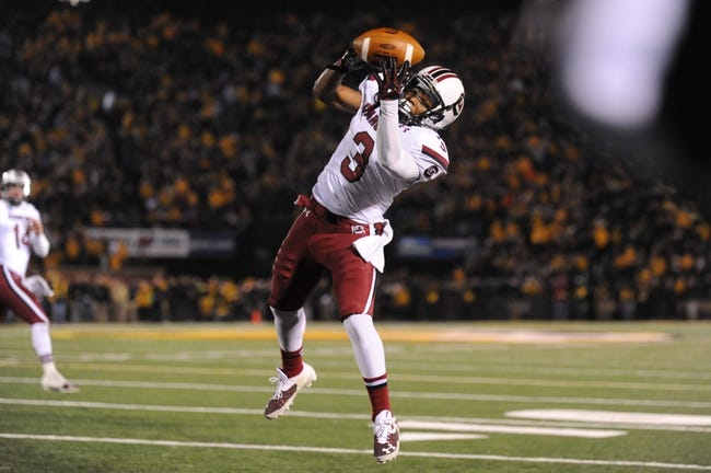 Oct 26, 2013; Columbia, MO, USA; South Carolina Gamecocks wide receiver Nick Jones (3) catches a pass to score a touchdown during the second quarter against the Missouri Tigers at Faurot Field. South Carolina won 27-24. Mandatory Credit: Denny Medley-USA TODAY Sports