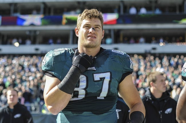 Oct 27, 2013; Philadelphia, PA, USA; Philadelphia Eagles tight end Brent Celek (87) before the game between the Philadelphia Eagles and New York Giants at Lincoln Financial Field. Mandatory Credit: John Geliebter-USA TODAY Sports