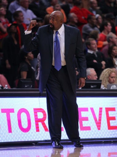 Oct 31, 2013; Chicago, IL, USA; New York Knicks head coach Mike Woodson during the second half against the Chicago Bulls at the United Center. Chicago won 82-81. Mandatory Credit: Dennis Wierzbicki-USA TODAY Sports