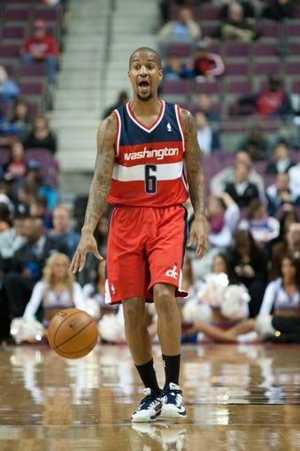 Oct 22, 2013; Auburn Hills, MI, USA; Washington Wizards point guard Eric Maynor (6) brings the ball up court against the Detroit Pistons during the second quarter at The Palace of Auburn Hills. Mandatory Credit: Tim Fuller-USA TODAY Sports