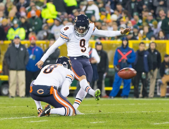 Nov 4, 2013; Green Bay, WI, USA; Chicago Bears kicker Robbie Gould (9) kicks a field goal during the game against the Green Bay Packers at Lambeau Field. Chicago won 27-20.  Mandatory Credit: Jeff Hanisch-USA TODAY Sports