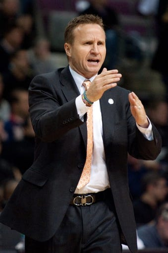Nov 8, 2013; Auburn Hills, MI, USA; Oklahoma City Thunder head coach Scott Brooks calls a timeout during the first quarter against the Detroit Pistons at The Palace of Auburn Hills. Mandatory Credit: Tim Fuller-USA TODAY Sports