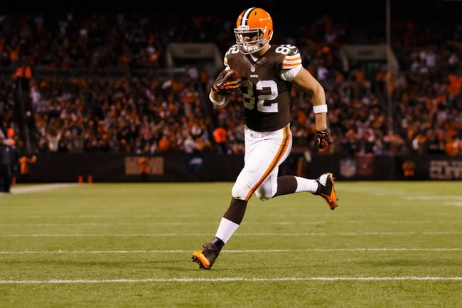 Nov 3, 2013; Cleveland, OH, USA; Cleveland Browns tight end Gary Barnidge (82) runs the ball in for a touchdown in the third quarter against the Baltimore Ravens at FirstEnergy Stadium. Mandatory Credit: Rick Osentoski-USA TODAY Sports