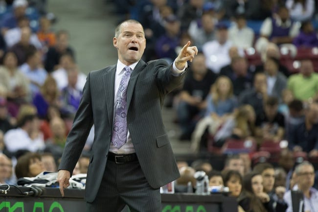 Nov 5, 2013; Sacramento, CA, USA; Sacramento Kings head coach Michael Malone calls out to his players against the Atlanta Hawks during the first quarter at Sleep Train Arena. Mandatory Credit: Kelley L Cox-USA TODAY Sports