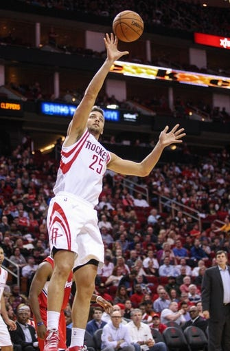 Nov 9, 2013; Houston, TX, USA; Houston Rockets small forward Chandler Parsons (25) shoots during the second quarter against the Los Angeles Clippers at Toyota Center. Mandatory Credit: Troy Taormina-USA TODAY Sports