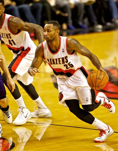 Nov 13, 2013; Portland, OR, USA; Portland Trail Blazers point guard Mo Williams (25) drives to the basket against the Phoenix Suns at the Moda Center. Mandatory Credit: Craig Mitchelldyer-USA TODAY Sports