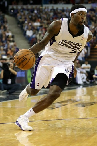 Nov 13, 2013; Sacramento, CA, USA; Sacramento Kings small forward John Salmons (5) drives in against the Brooklyn Nets during the fourth quarter at Sleep Train Arena. The Sacramento Kings defeated the Brooklyn Nets 107-86. Mandatory Credit: Kelley L Cox-USA TODAY Sports