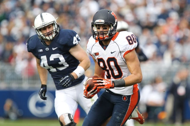 Nov 2, 2013; University Park, PA, USA; Illinois Fighting Illini wide receiver Spencer Harris (80) runs the ball during the second quarter against the Penn State Nittany Lions at Beaver Stadium. Penn State defeated Illinois 24-17. Mandatory Credit: Matthew O'Haren-USA TODAY Sports