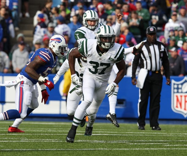 Nov 17, 2013; Orchard Park, NY, USA; New York Jets free safety Jaiquawn Jarrett (37) during a game against the Buffalo Bills at Ralph Wilson Stadium. Mandatory Credit: Timothy T. Ludwig-USA TODAY Sports