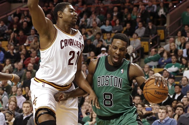 Nov 29, 2013; Boston, MA, USA; Boston Celtics shooting guard Jeff Green (8) drives on Cleveland Cavaliers center Andrew Bynum (21) during the first quarter at TD Garden. Mandatory Credit: Winslow Townson-USA TODAY Sports