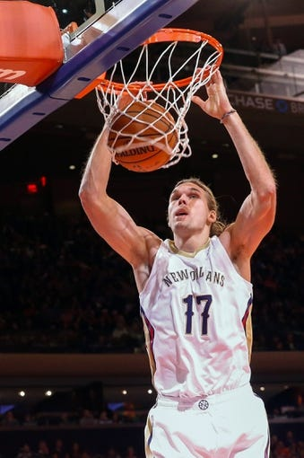 Dec 1, 2013; New York, NY, USA; (EDITORS NOTE: caption correction) New Orleans Pelicans forward Lou Amundson (17) dunks during the fourth quarter against the New York Knicks at Madison Square Garden. New Orleans Pelicans won 103-99.  Mandatory Credit: Anthony Gruppuso-USA TODAY Sports