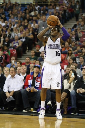 Nov 19, 2013; Sacramento, CA, USA; Sacramento Kings shooting guard Ben McLemore (16) shoots the ball against the Phoenix Suns during the third quarter at Sleep Train Arena. The Sacramento Kings defeated the Phoenix Suns 107-104. Mandatory Credit: Kelley L Cox-USA TODAY Sports
