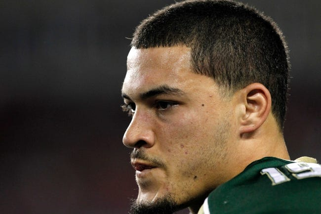 Nov 16, 2013; Tampa, FL, USA; South Florida Bulls defensive lineman Aaron Lynch (19) against the Memphis Tigers during the first quarter at Raymond James Stadium. Mandatory Credit: Kim Klement-USA TODAY Sports
