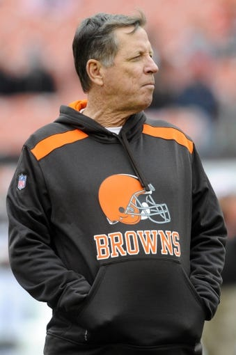 Dec 1, 2013; Cleveland, OH, USA; Cleveland Browns offensive coordinator Norv Turner before the game against the Jacksonville Jaguars at FirstEnergy Stadium. Mandatory Credit: Ken Blaze-USA TODAY Sports