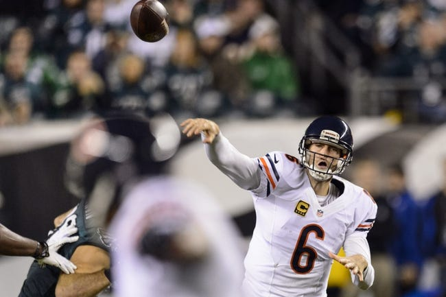 Dec 22, 2013; Philadelphia, PA, USA; Chicago Bears quarterback Jay Cutler (6) passes the ball during the second quarter against the Philadelphia Eagles at Lincoln Financial Field. The Eagles defeated the Bears 54-11. Mandatory Credit: Howard Smith-USA TODAY Sports