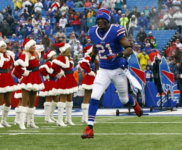 Dec 22, 2013; Orchard Park, NY, USA; Buffalo Bills cornerback Leodis McKelvin (21) takes to the field before a game against the Miami Dolphins at Ralph Wilson Stadium. Mandatory Credit: Timothy T. Ludwig-USA TODAY Sports