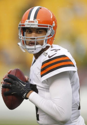 Dec 29, 2013; Pittsburgh, PA, USA; Cleveland Browns quarterback Jason Campbell (17) on the field before playing the Pittsburgh Steelers at Heinz Field. The Steelers won 20-7. Mandatory Credit: Charles LeClaire-USA TODAY Sports