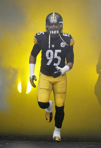 Dec 29, 2013; Pittsburgh, PA, USA; Pittsburgh Steelers outside linebacker Jarvis Jones (95) takes the field before the game against the Cleveland Browns at Heinz Field. The Steelers won 20-7. Mandatory Credit: Charles LeClaire-USA TODAY Sports