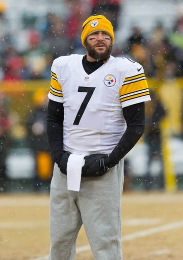 Dec 22, 2013; Green Bay, WI, USA; Pittsburgh Steelers quarterback Ben Roethlisberger (7) during warmups prior to the game against the Green Bay Packers at Lambeau Field.  Pittsburgh won 38-31.  Mandatory Credit: Jeff Hanisch-USA TODAY Sports