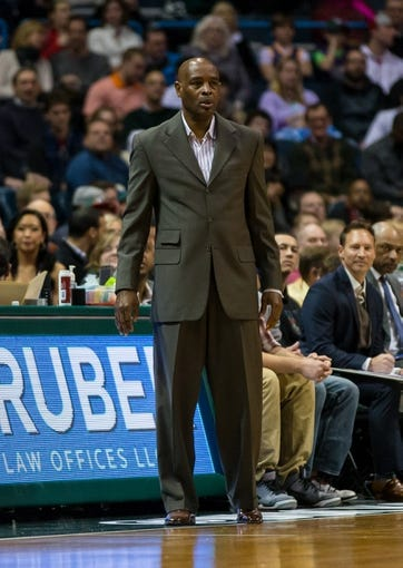 Jan 7, 2014; Milwaukee, WI, USA; Milwaukee Bucks head coach Larry Drew during the game against the Golden State Warriors at BMO Harris Bradley Center.  Golden State won 101-80.  Mandatory Credit: Jeff Hanisch-USA TODAY Sports