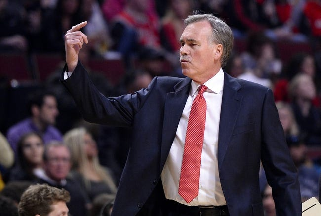 Jan 20, 2014; Chicago, IL, USA; Los Angeles Lakers head coach Mike D'Antoni reacts against the Chicago Bulls during the first half at United Center. Mandatory Credit: Mike DiNovo-USA TODAY Sports