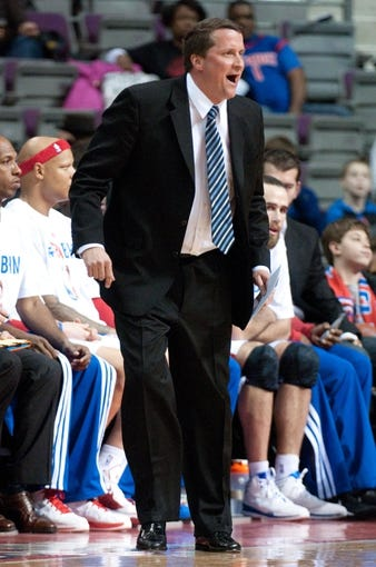 Feb 10, 2014; Auburn Hills, MI, USA; Detroit Pistons interim head coach John Loyer during the first quarter against the San Antonio Spurs at The Palace of Auburn Hills. Mandatory Credit: Tim Fuller-USA TODAY Sports
