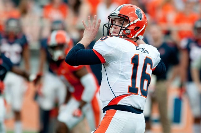 Apr 12, 2014; Champaign, IL, USA; Illinois Fighting Illini quarterback Man Berg (16) throws the ball during the third quarter of the spring game at Memorial Stadium. Mandatory Credit: Bradley Leeb-USA TODAY Sports