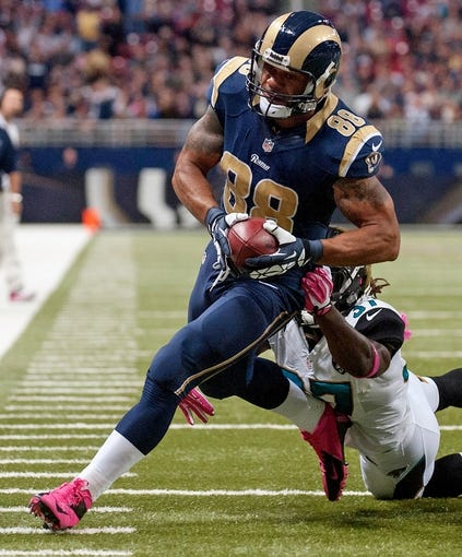 Oct 6, 2013; St. Louis, MO, USA; St. Louis Rams tight end Lance Kendricks (88) runs into the end zone for a 16 yard touchdown against the Jacksonville Jaguars during the first half at the Edward Jones Dome. Mandatory Credit: Jeff Curry-USA TODAY Sports