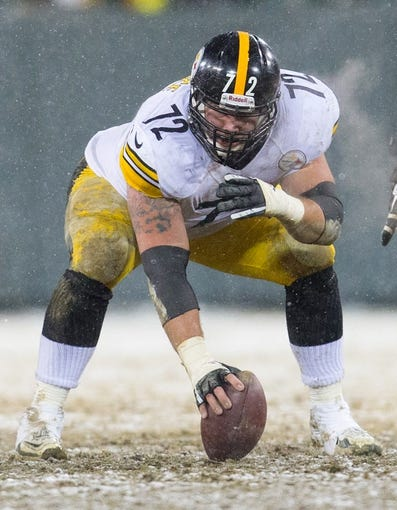 Dec 22, 2013; Green Bay, WI, USA; Pittsburgh Steelers offensive lineman Cody Wallace (72) during the game against the Green Bay Packers at Lambeau Field.  Pittsburgh won 38-31.  Mandatory Credit: Jeff Hanisch-USA TODAY Sports