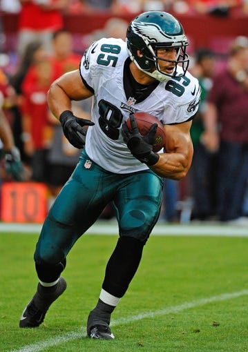 Sep 9, 2013; Landover, MD, USA; Philadelphia Eagles tight end James Casey (85) warms up before the game against the Washington Redskins at FedEX Field. Mandatory Credit: Brad Mills-USA TODAY Sports