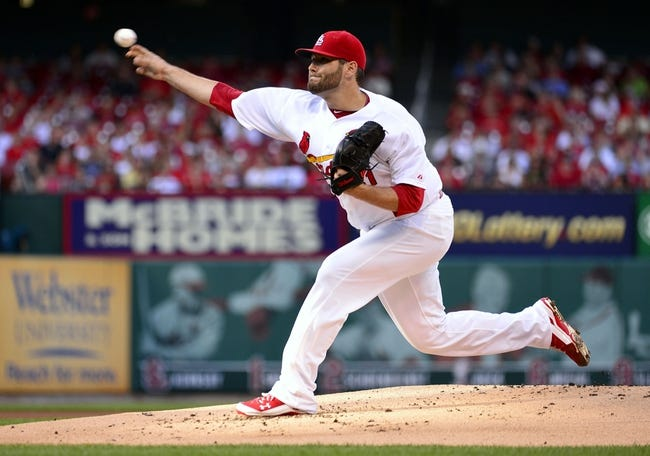 Jul 23, 2014; St. Louis, MO, USA; St. Louis Cardinals starting pitcher Lance Lynn (31) throws to a Tampa Bay Rays batter during the first inning at Busch Stadium. Mandatory Credit: Jeff Curry-USA TODAY Sports