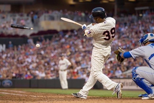 Aug 16, 2014; Minneapolis, MN, USA; Minnesota Twins shortstop Danny Santana (39) hits a RBI single in the seventh inning against the Kansas City Royals at Target Field. Mandatory Credit: Jesse Johnson-USA TODAY Sports